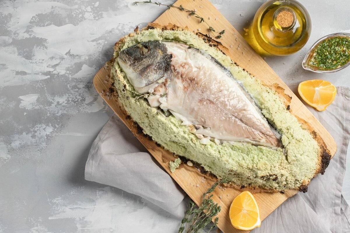 Рыба в соли из духовки - 10 пошаговых фото в рецепте