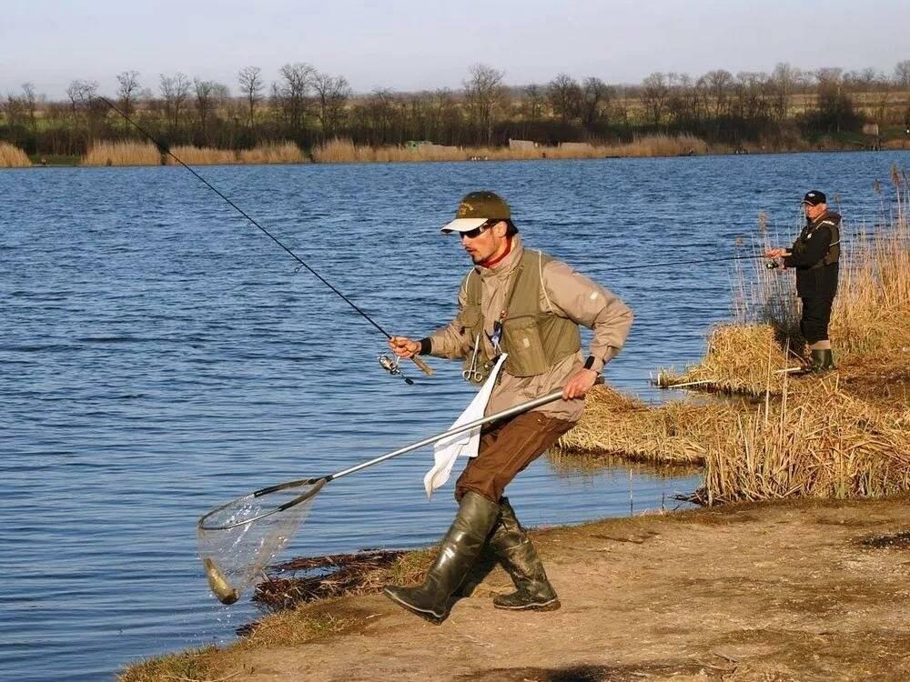 Рыбалка на телецком озере: какая рыба водится, особенности ловли летом