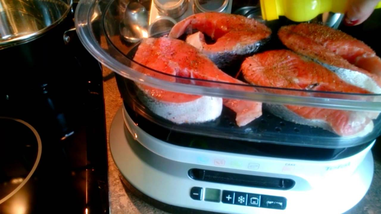 Рыба приготовленная на пару со специями и лимоном
