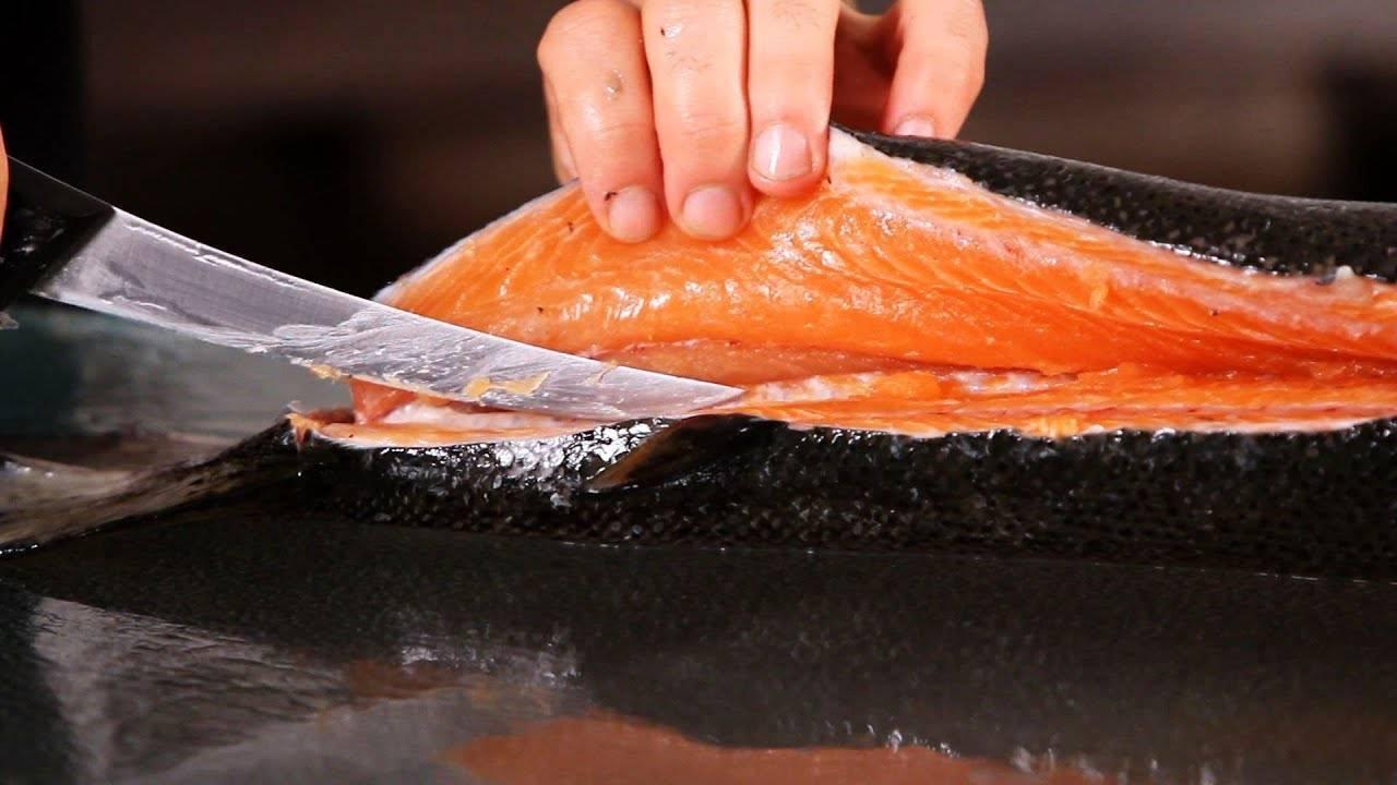 Как разделать горбушу: отделить филе от чешуи и кожи, как почистить рыбу на засолку, маленькие хитрости