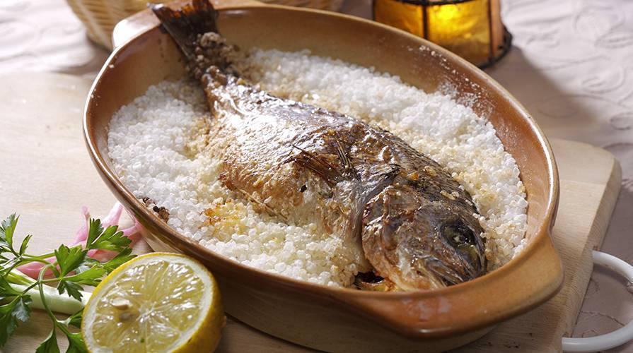 Рыба в соли в духовке: лучшие рецепты запеченной под солью рыбы