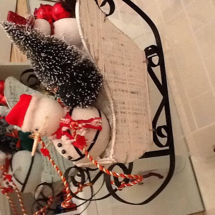 Мастер-класс поделка изделие новый год моделирование конструирование саночки для снеговика картон картон гофрированный кружево пайетки стразы