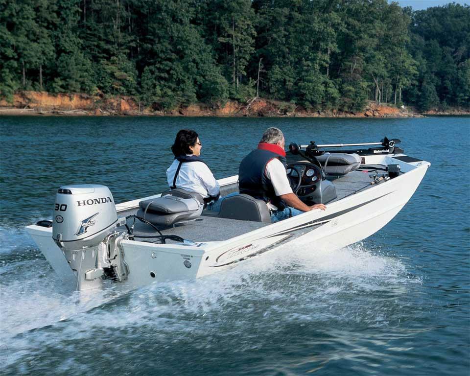Преимущества лодочных моторов Хонда малой мощности