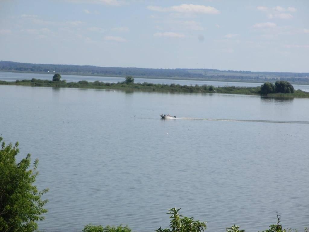 Озеро неро, ростов великий. гостиницы рядом, рыбалка и охота, отдых, фото, видео, как добраться — туристер.ру