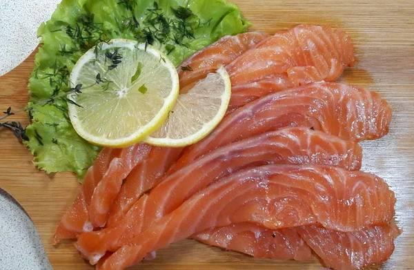 Как засолить свежемороженого лосося в домашних условиях вкусно, просто и быстро