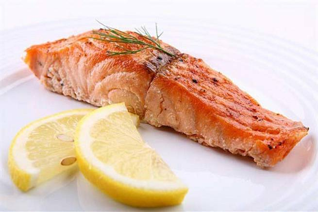 Стейк лосося в духовке в фольге, на сковороде, гриле, мангале. рецепты со сливочным соусом, овощами, лимоном, рисом