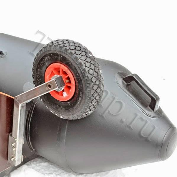 Транцевые колеса для лодки пвх - видео, установка колес