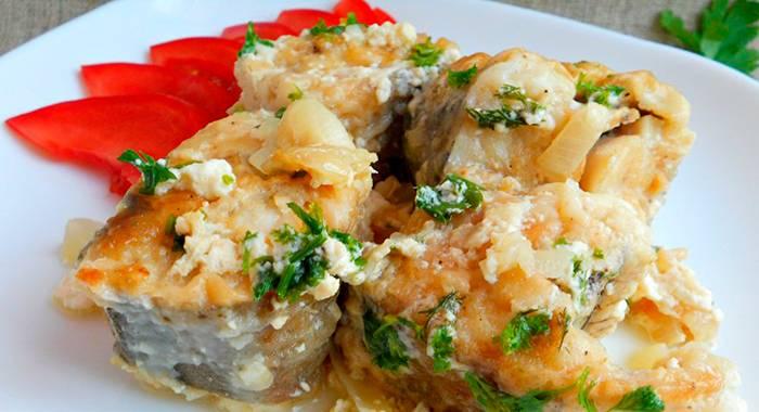 Рыба в сметане: 10 лучших рецептов |