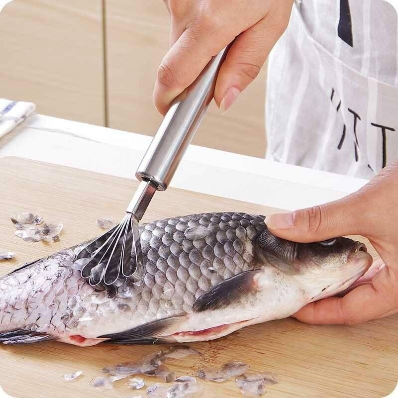 Как быстро почистить рыбу от чешуи? нож для чистки рыбы