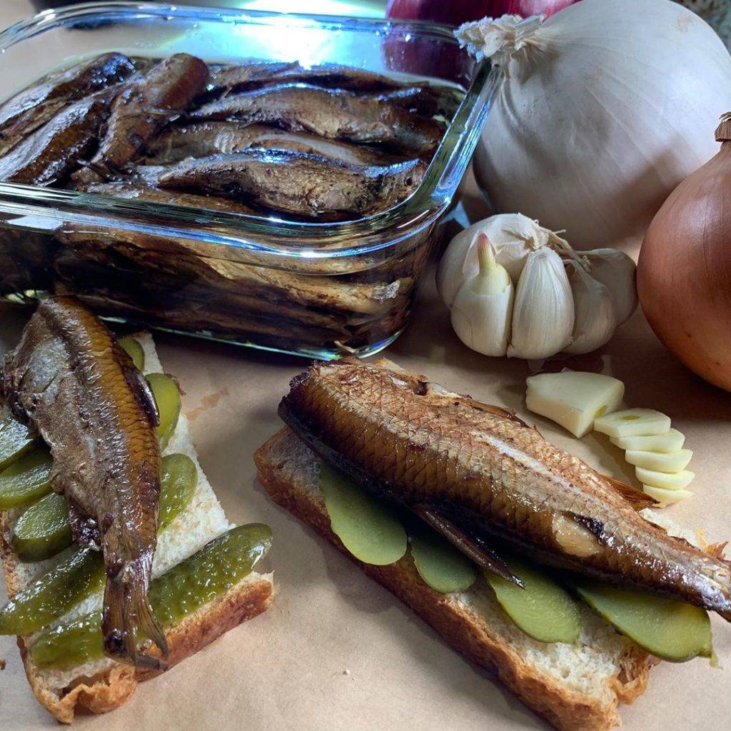 Домашние шпроты из речной рыбы