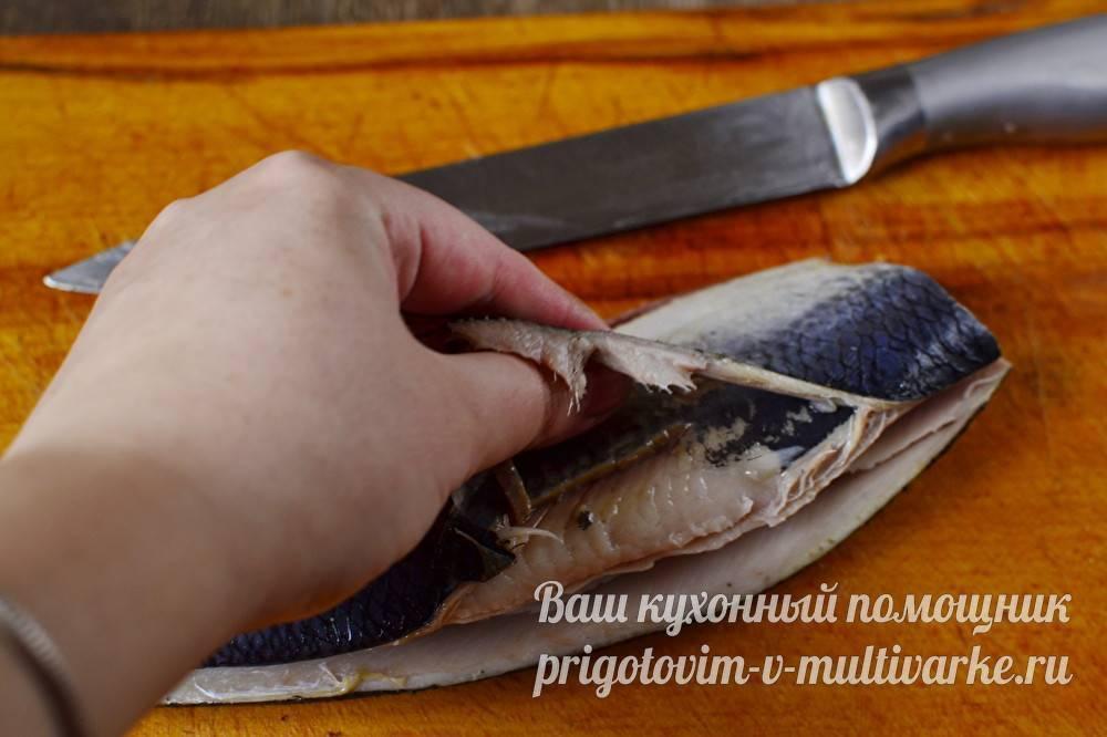 Как правильно разделать селёдку, а также как чистить и избавить от костей, в том числе быстрым способом