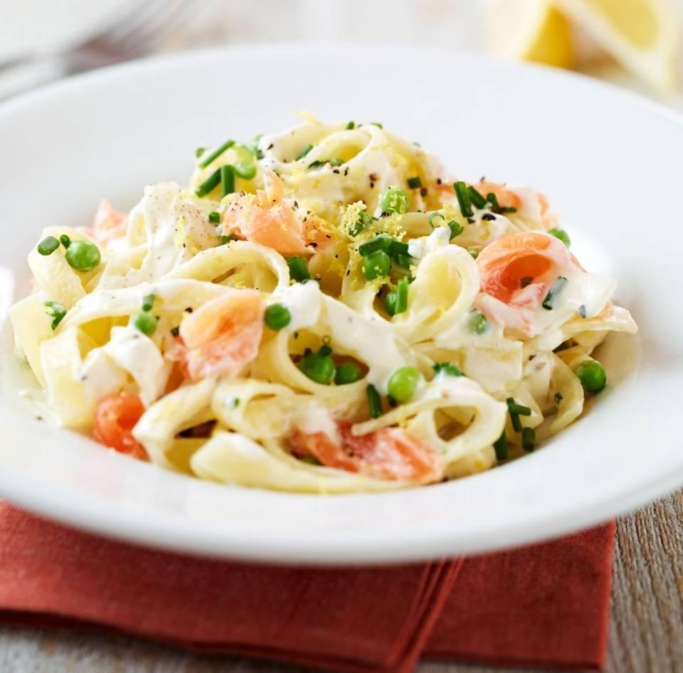 Паста с лососем и брокколи в сливочном соусе – кулинарный рецепт
