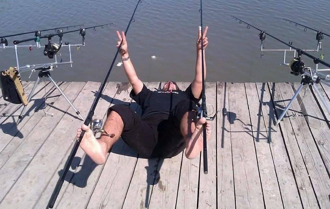 Рыбалка без удочки: как ловить рыбу голыми руками и другие способы