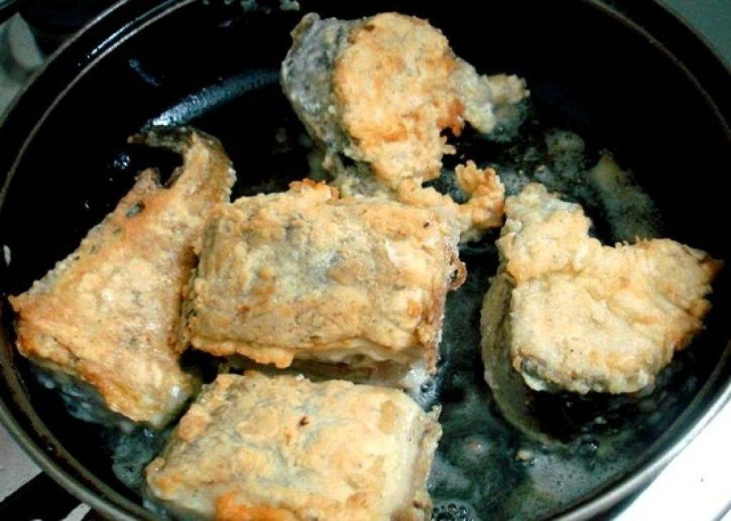 Треска в кляре жареная на сковороде. как приготовить вкусную сочную рыбу