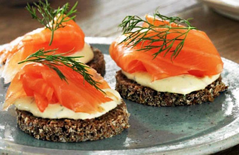 Горячие бутерброды с рыбой в духовке - 9 пошаговых фото в рецепте
