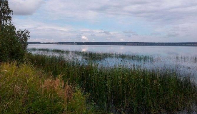 Бирюзовое озеро в челябинской области