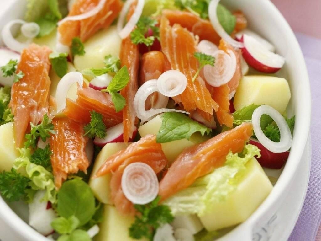 Салат из рыбы горячего копчения рецепт с фото - 1000.menu