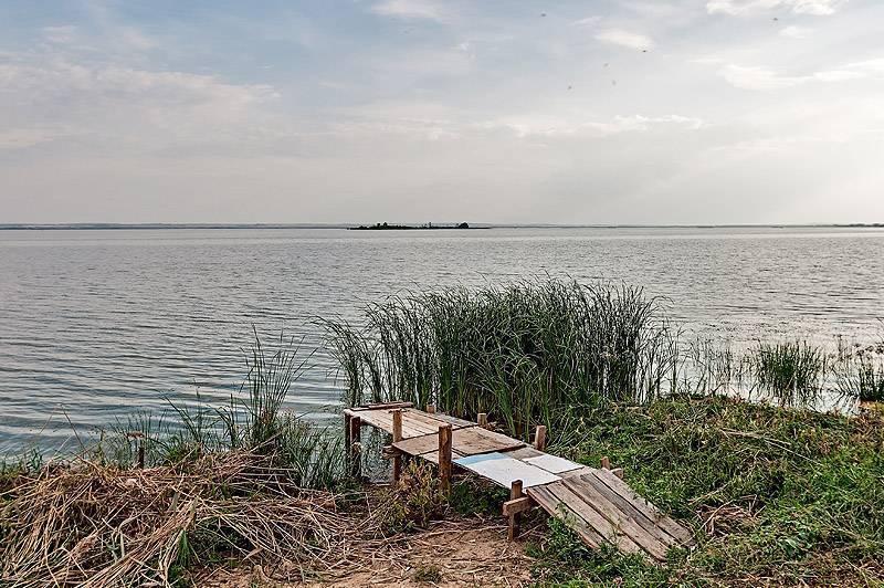 Ростов великий. кремль и озеро неро