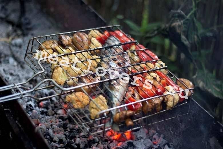 Шашлык из карпа: рецепты на мангале, на шампурах, решетке, маринад, видео