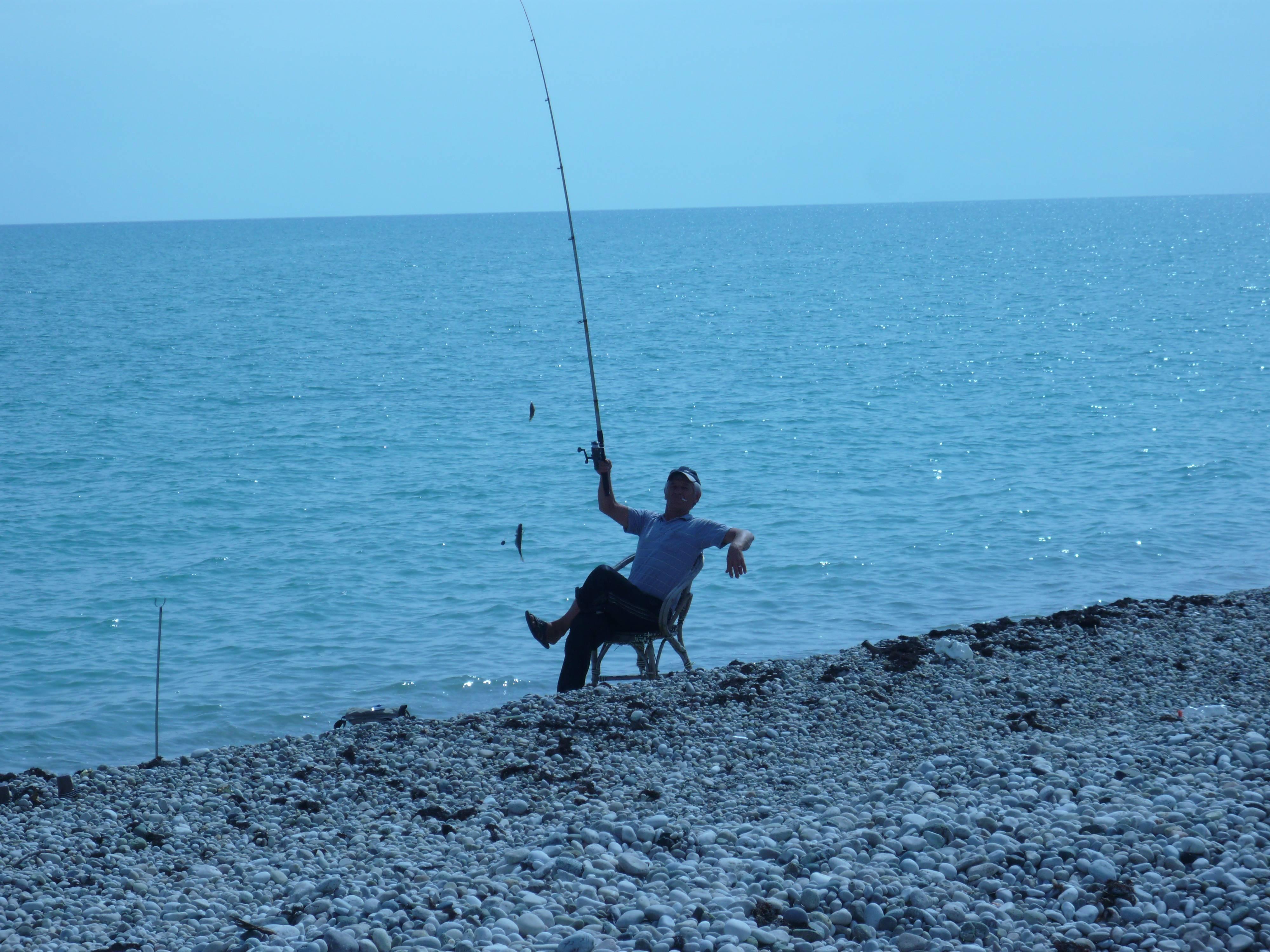 Рыбалка в абхазии на море реках и озере рица фото видео - рыба