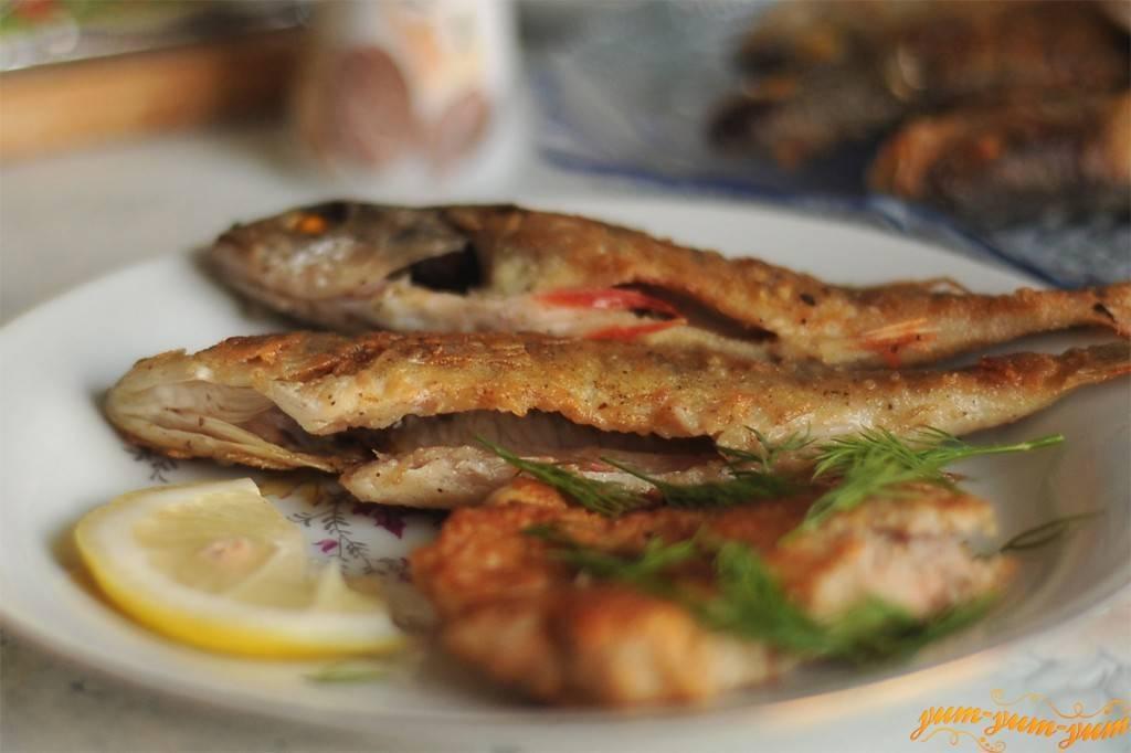 Как пожарить мелкую рыбу на сковороде