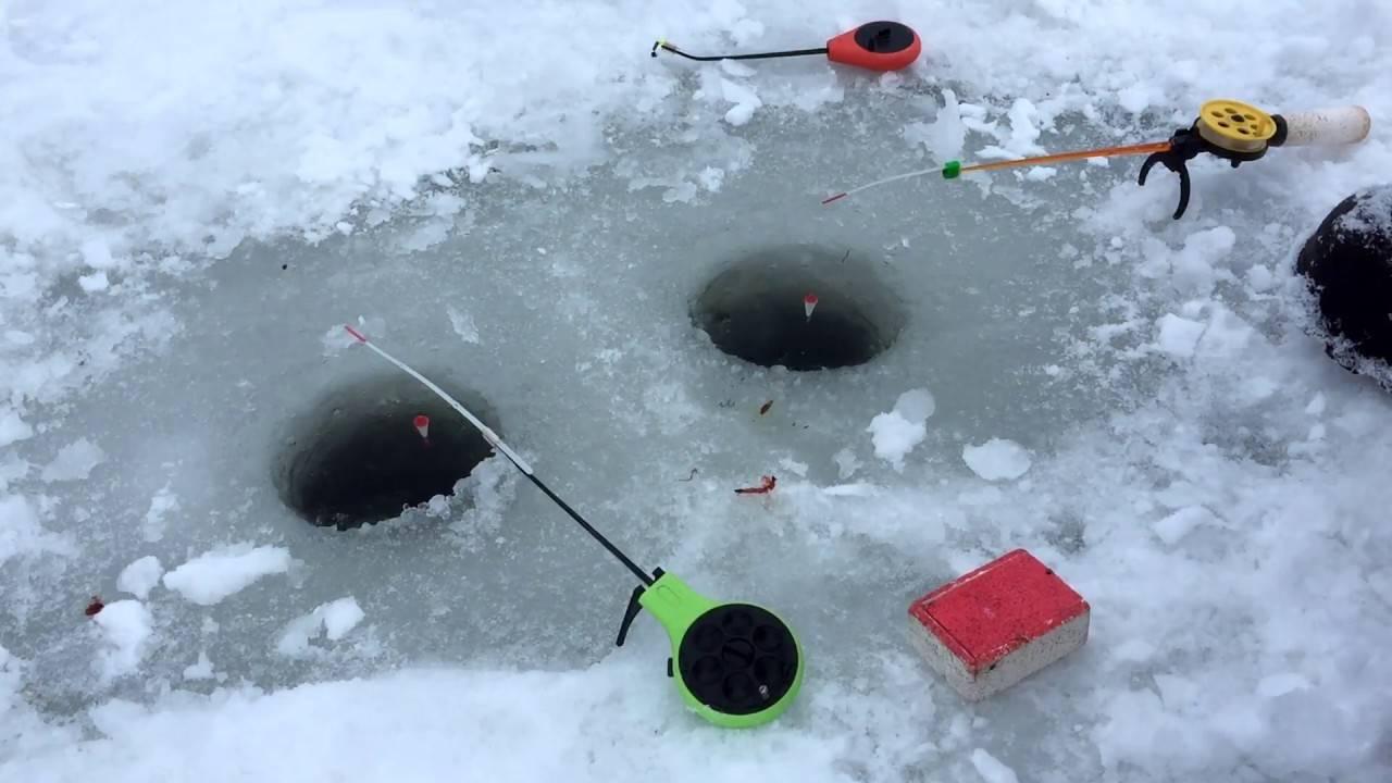 Ловля окуня на мормышку зимой - на рыбалке!