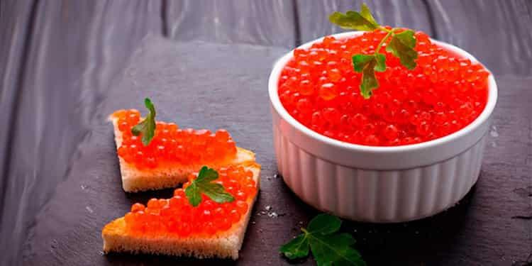 Красная икра: калорийность, польза и вред для здоровья организма, состав, противопоказания