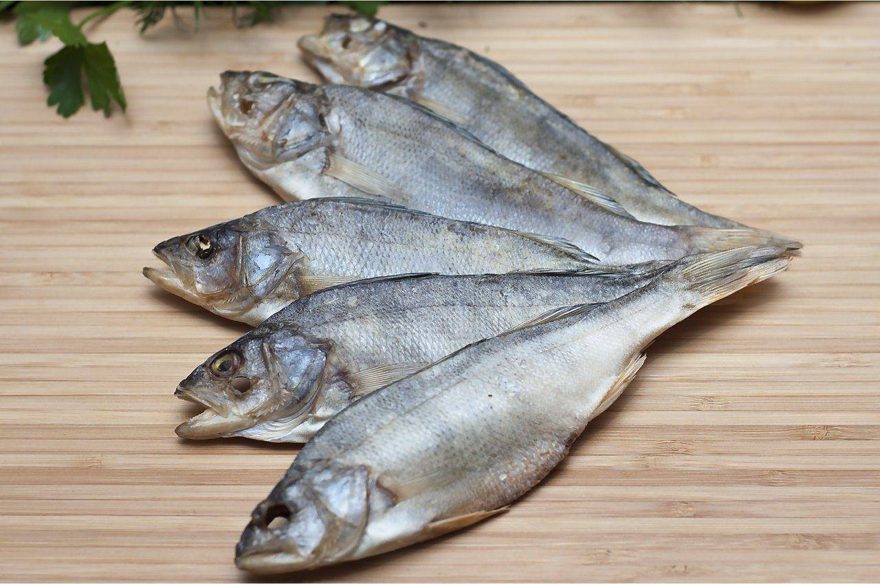 Как правильно вялить рыбу в домашних условиях - поэтапные рецепты с фото