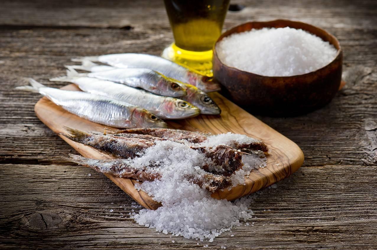 Как убрать соль из рыбы — что делать, если рыба пересолена. как вымочить соленую рыбу: рецепты, советы и правила вымачивания