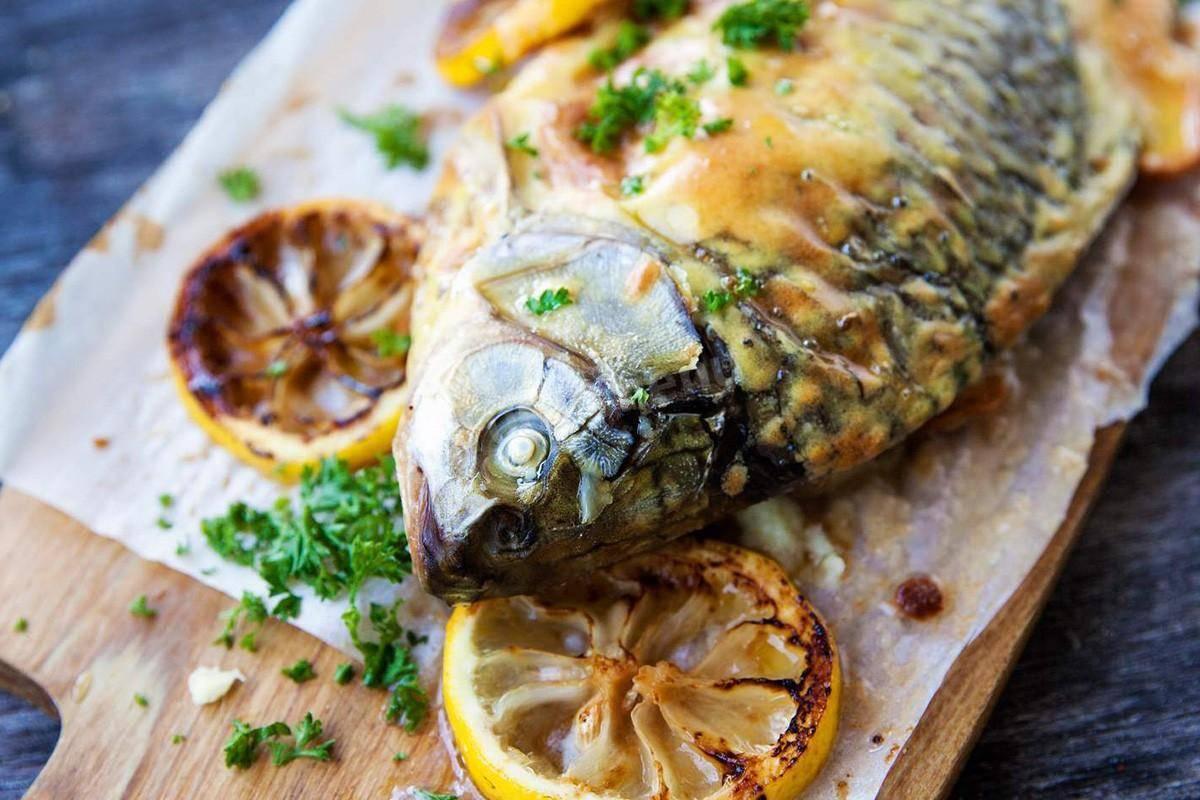 Толстолобик, запеченный в духовке, — рецепт с фото, как приготовить кусочками на ydoo.info