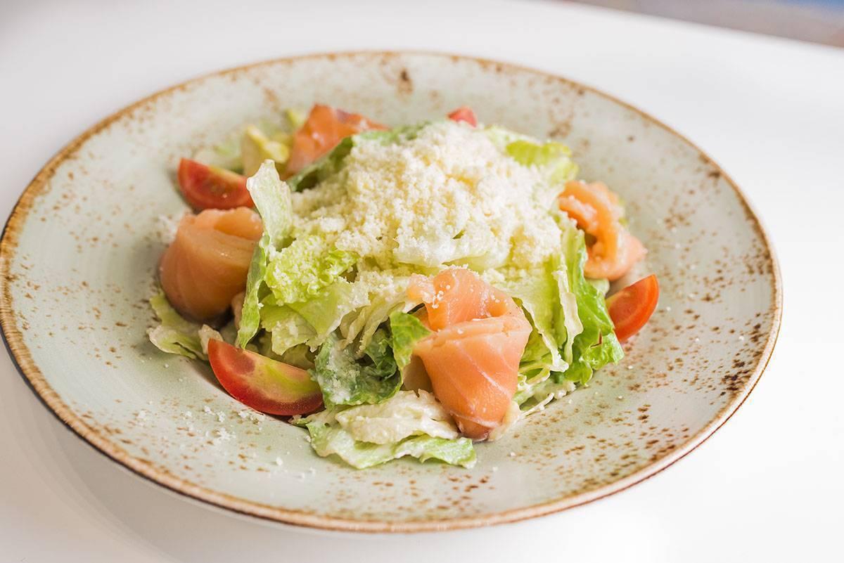 Салат цезарь с креветками — 10 классических рецептов в домашних условиях