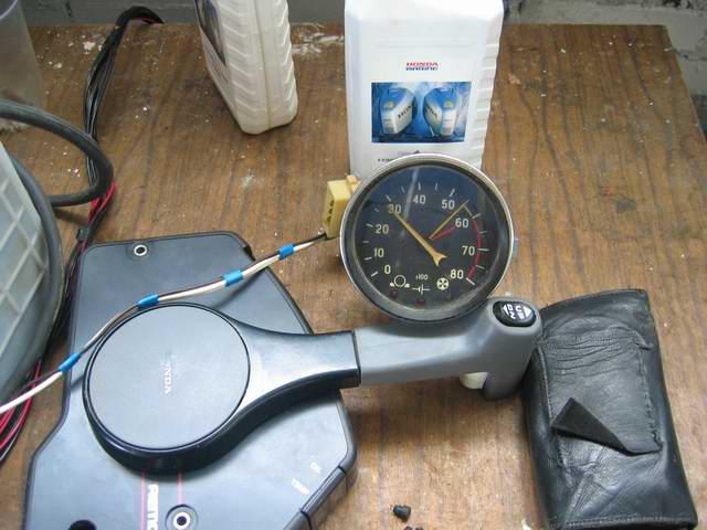 Обзор тахометров для двухтактных лодочных моторов. лодочные приборы. автомобильный тахометр на катер