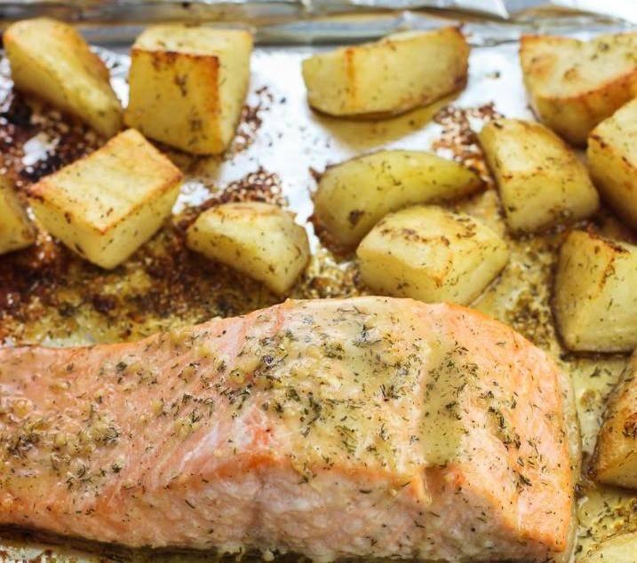 Запеченная рыба с картошкой в фольге в духовке