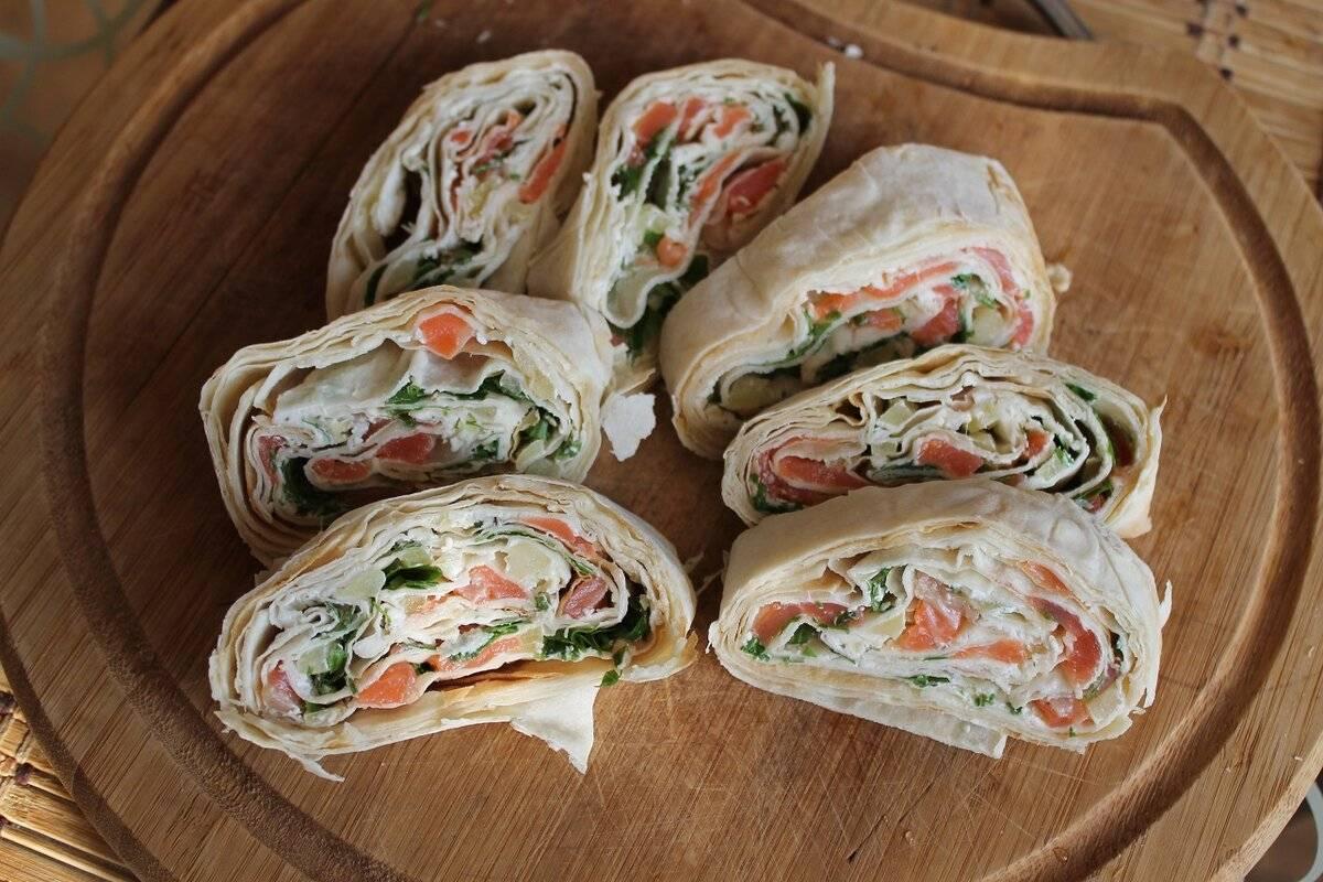 Рулет из лаваша с семгой и творожным сыром рецепт с фото пошагово и видео - 1000.menu