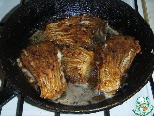 """Жареный лещ """"уноси готовенького"""" – кулинарный рецепт"""