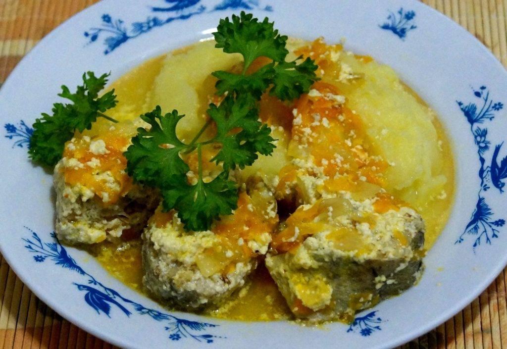 Рыбные тефтели в сметанном соусе