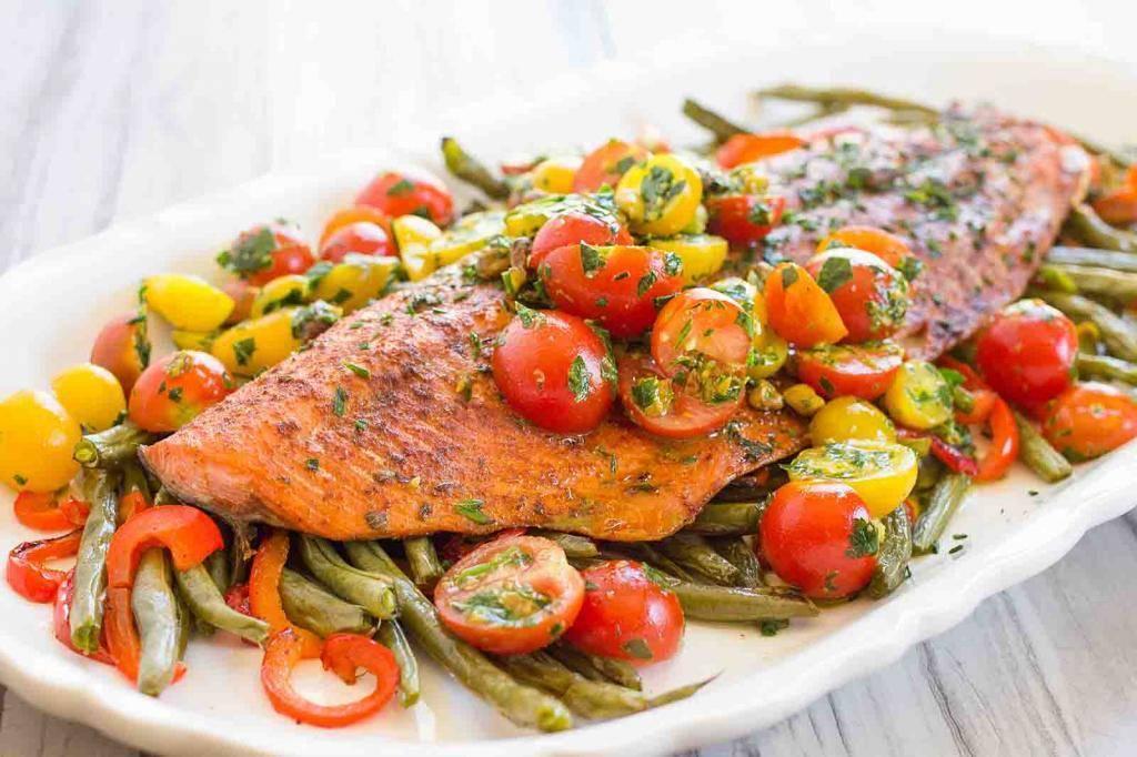 Рыба тушенная с овощами – кулинарный рецепт