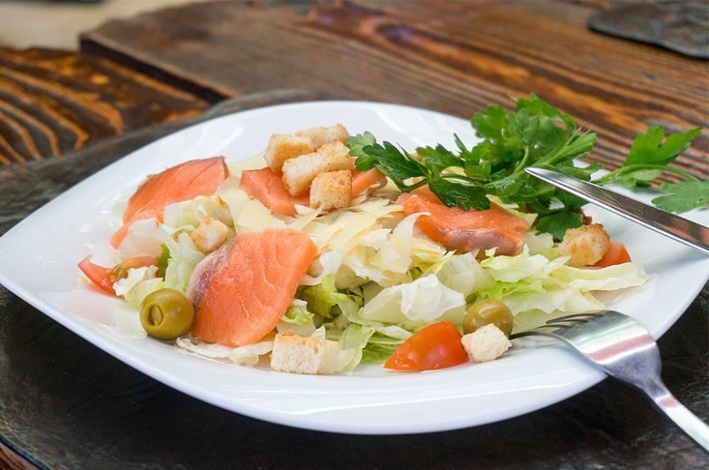 Салат цезарь с креветками - 10 классических рецептов в домашних условиях с фото пошагово