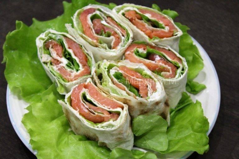 Рулет из лаваша с красной рыбой и творожным сыром - 7 пошаговых фото в рецепте
