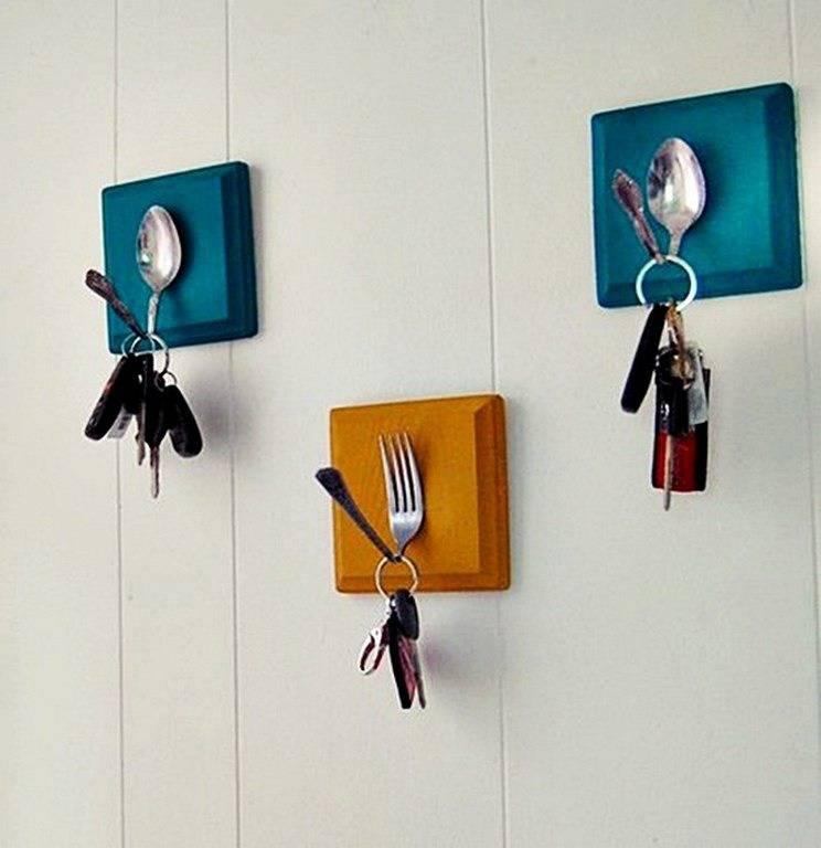 Крючки для вешалки в прихожую: пошаговая инструкция