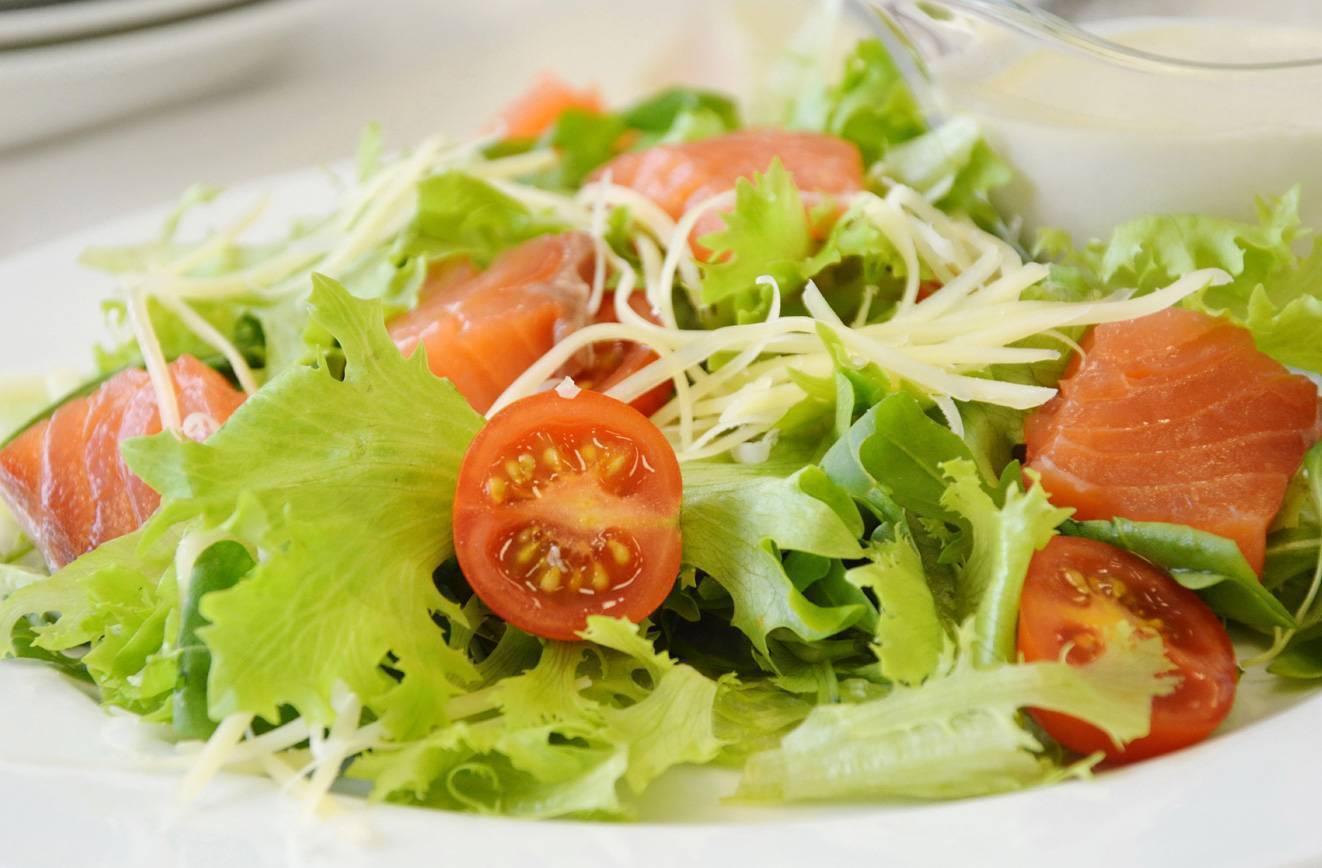 Салат цезарь с курицей классический - 10 простых рецептов в домашних условиях с фото пошагово