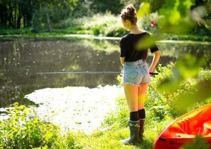 Рыба ловить рыбу на удочку