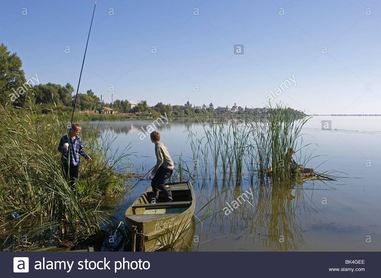 Отдых на озере неро