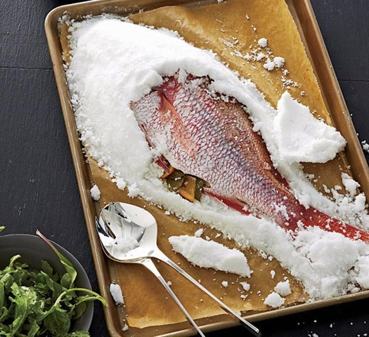 Рыба в соли в духовке, рецепты запеченной рыбы в соляном панцире