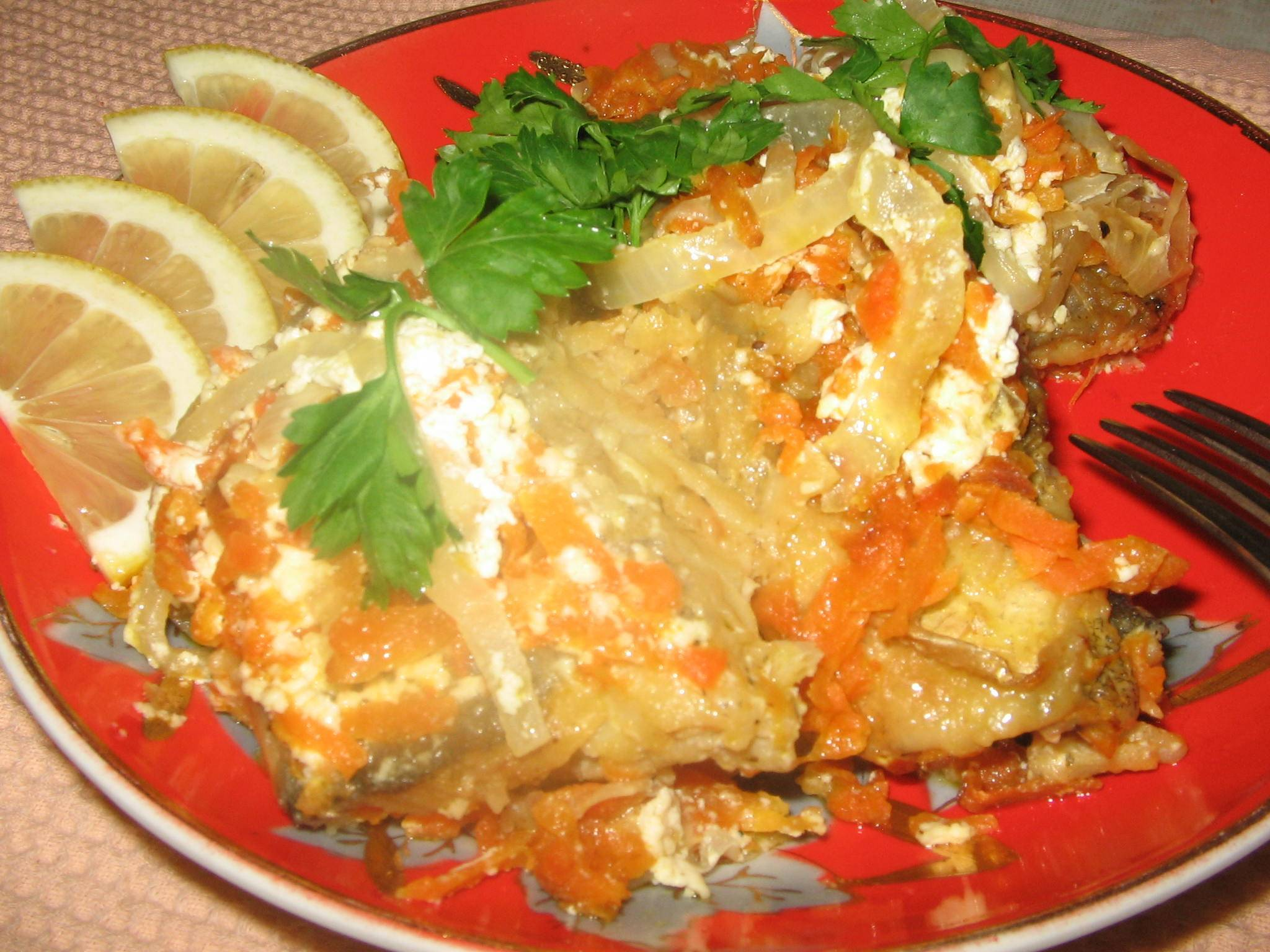 Щука, приготовленная в духовке — фаршированная овощами, грибами и другими продуктами