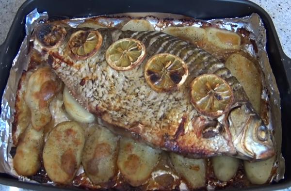 Как запечь леща в духовке: вкусные и быстрые рецепты, особенности приготовления