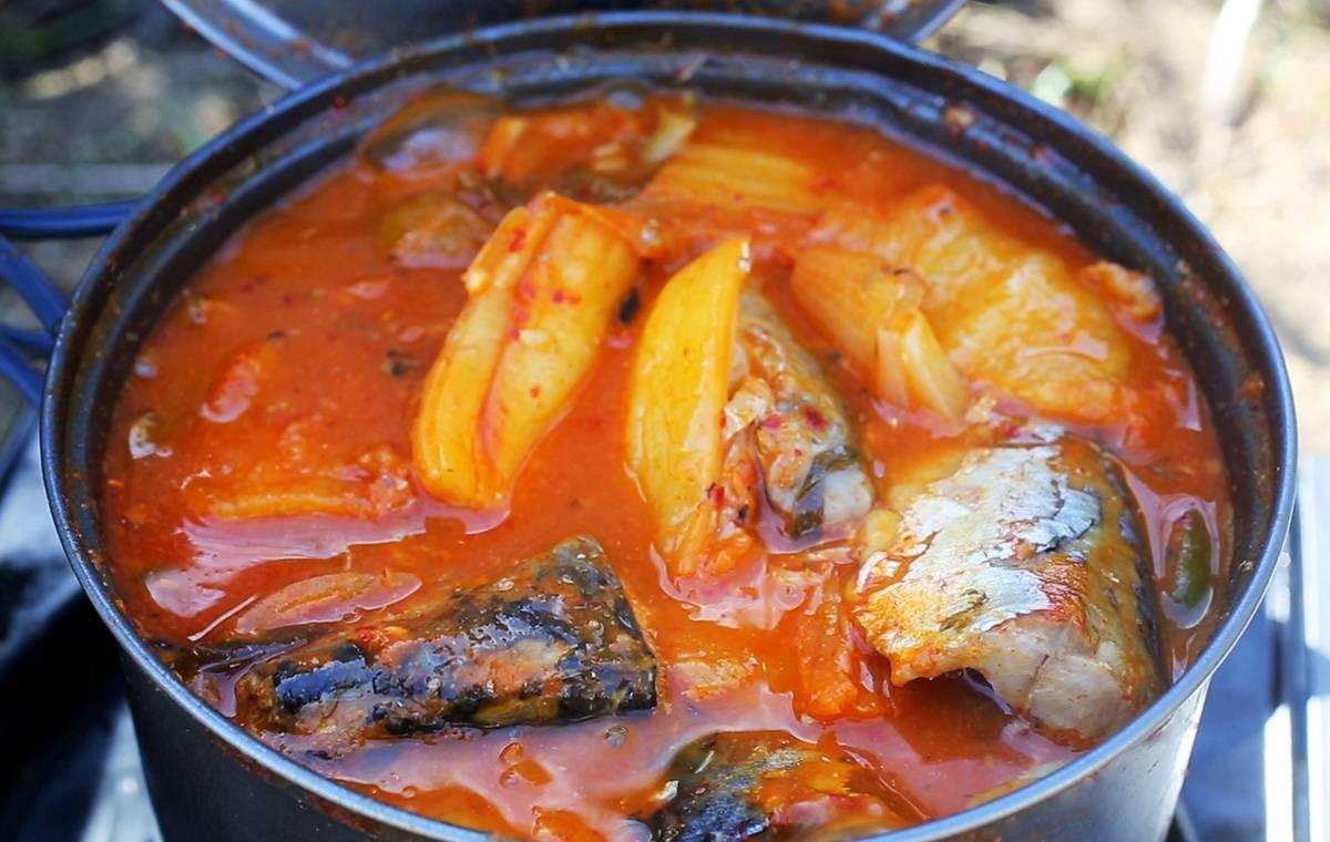 Рыба тушеная с овощами рецепт с фото пошагово - 1000.menu