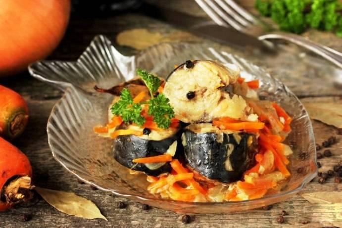 Хек, тушеный с морковью и луком - 6 пошаговых фото в рецепте