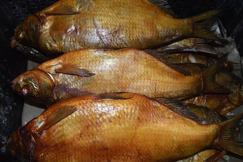 Как правильно коптить рыбу горячего. технология приготовления рыбы горячего копчения. карась горячего копчения.