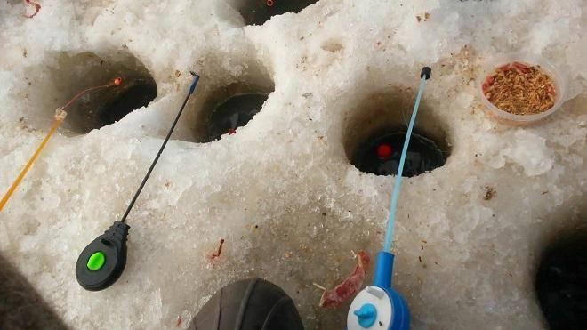 Плотва на мормышку - техника ловля сорожки на зимнюю удочку
